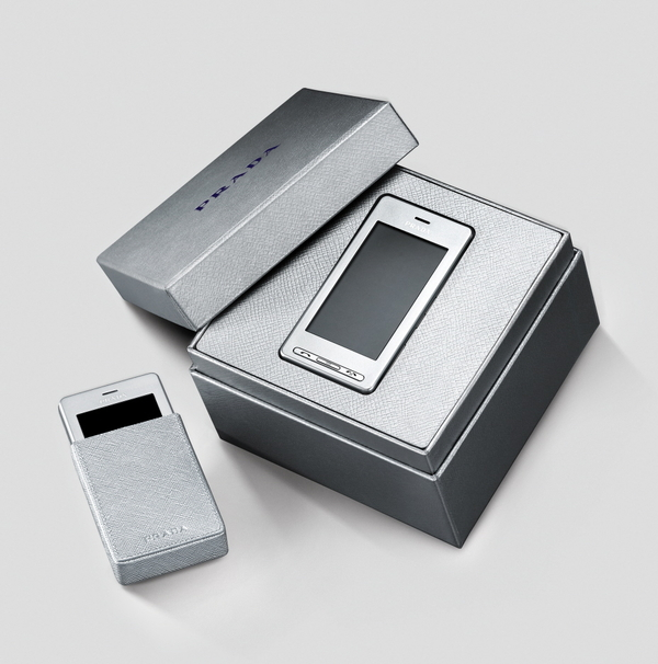 LG Prada (KE850) phone shines in silver for Europe