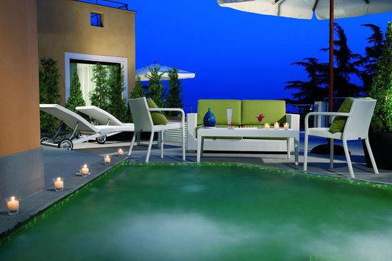 Paradiso Suite terrace.jpg