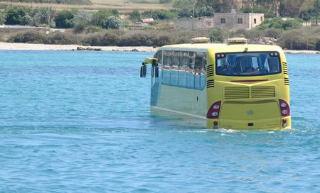 amphicoach_amphibious_tourist_bus3.jpg