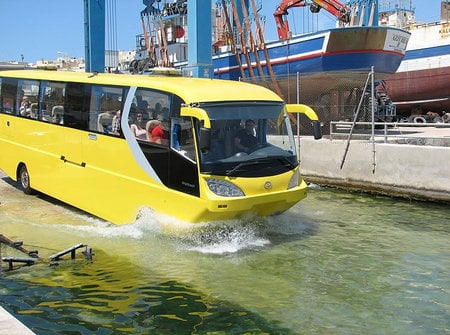 amphicoach_amphibious_tourist_bus4.jpg
