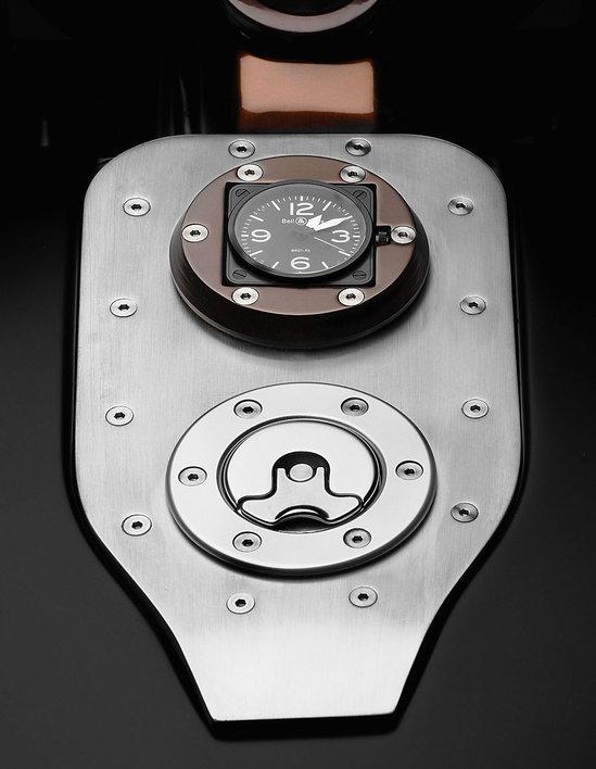 Harley-Davidson_Bell-&-Ross-Nascafe-Racer-3.jpg