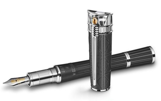 MontBlanc Statue of Liberty Artisan Edition fountain pen pays tribute to the freedom of America