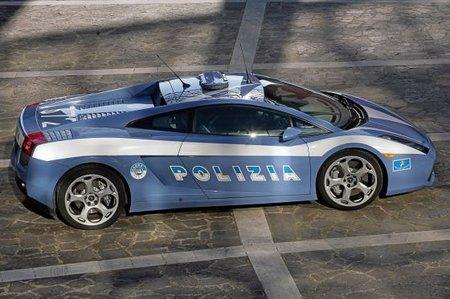 lamborghini gallardo 4 thumb 450x299 La police italienne roule en Lamborghini
