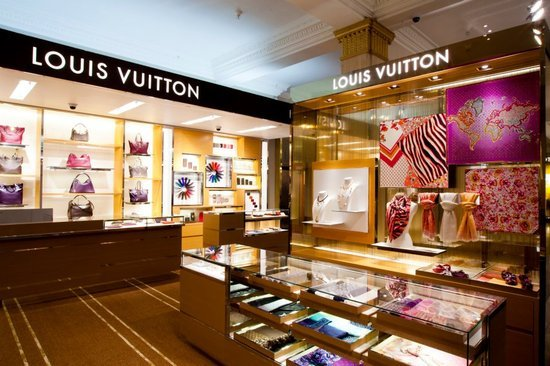 Louis-Vuitton-store-Harrods-1.jpg