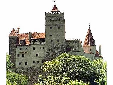 سياحة في  بيت الرعب draculas-castle.jpg