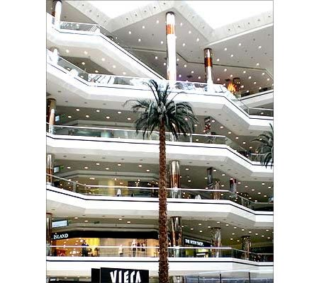 biggest-mall_3.jpg