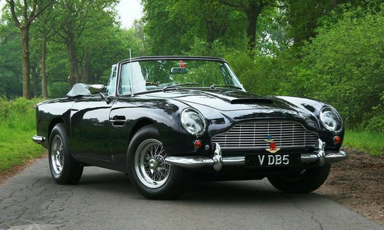 Aston Martin DB5 Vantage Convertible fetches $830,000