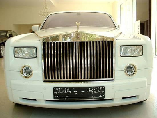 Rolls-Royce-Phantom-Solid-Gold-1.jpg