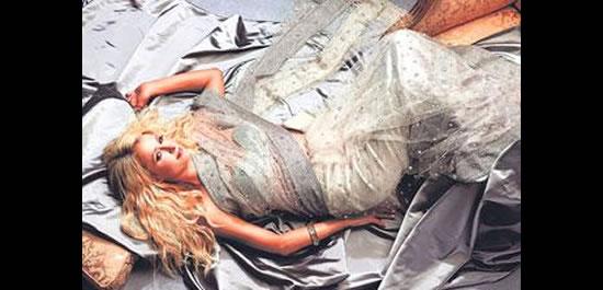 Paris-Hilton-Swarovski-studded-sari.jpg
