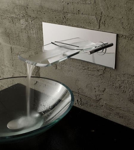 Arya_Glass_Waterfall_Faucet_1