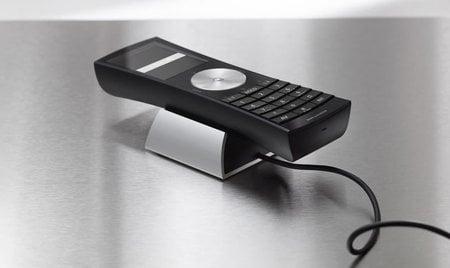 Bang-&-Olufsen-BeoCom-5-home-phone5.jpg