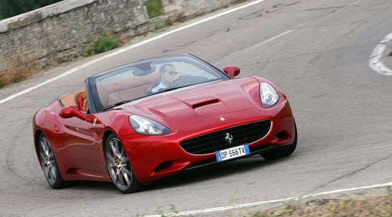 Ferrari California 2 thumb 550x305 2012 will bring in a lighter, faster and better Ferrari California