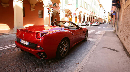 Ferrari-California-3.jpg