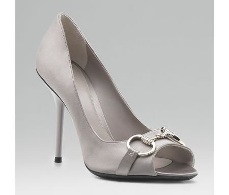 http://www.luxurylaunches.com/entry_images/1107/15/Hollywood_high_heel_sandal.jpg