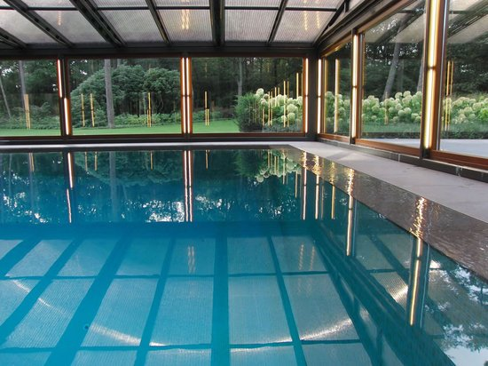 Mutandor 6 thumb 550x412 A terrace gives way to a pool with just a push of a button