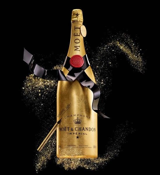 Mo t chandon unveils golden premium jeroboam to sign off 2011 - Seau a champagne moet et chandon ...