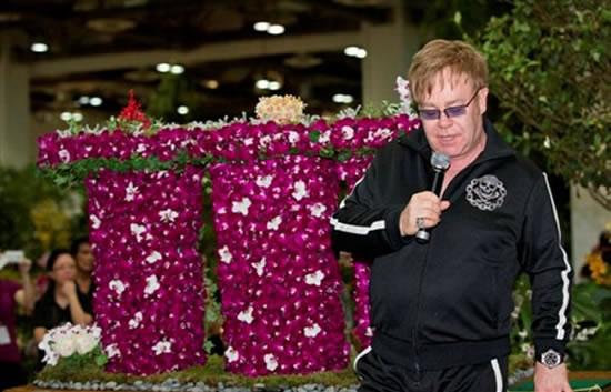 sir-elton-john-at-orchid-naming-ceremony_1.jpg