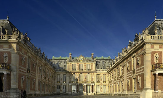 France Versailles palace thumb 550x331 Frances Versailles to join the heritage hotel bandwagon!