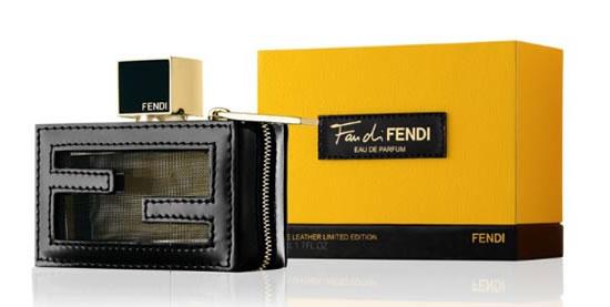 ...Дома Fendi сумок Baguette и Peekaboo.  И сейчас Fendi представляет.