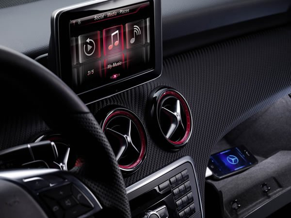 2012 Mercedes A Class will be integrated with iPhone and Siri