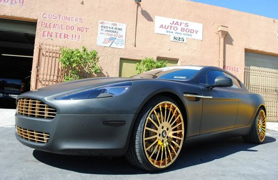 aston-martin-rapide-gold-wheels-2.jpg