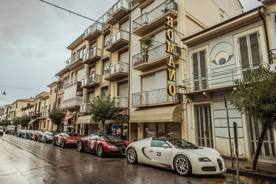 bugatti chiron owners in india with Bugatti Veyron Grand Tour Of Europe on Bugatti veyron grand tour of europe furthermore Carlton House Upper East Side New York City as well Suzuki Swift Sport Nails The Moose Test Earns Fulsome Praise Video besides Jeep Punisher Wallpaper furthermore Nissan Kicks 2017 Interior.