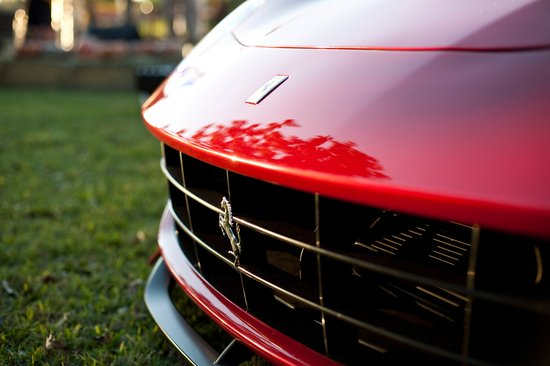 f12-berlinetta-auction-3.jpg