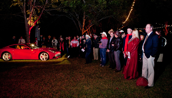 f12-berlinetta-auction-5.jpg