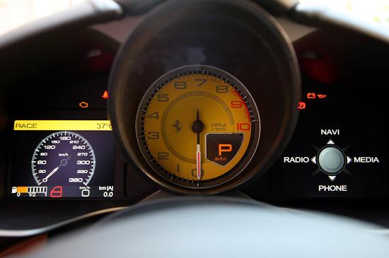 ferrari-f12-berlinetta-15.jpg