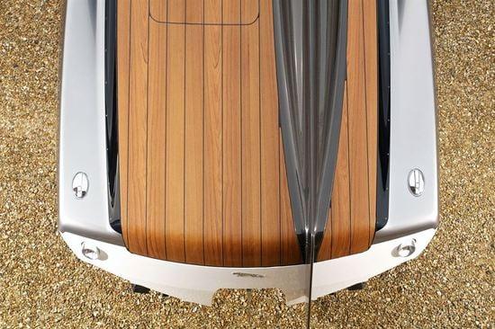 jaguar-speedboat-7.jpg