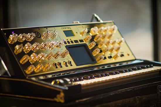 moog-music-gold-minimoog-2.jpg