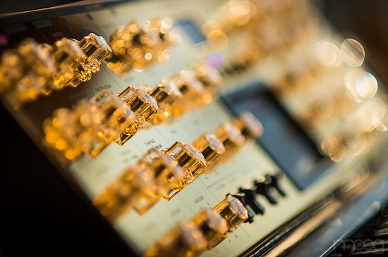 moog-music-gold-minimoog-4.jpg