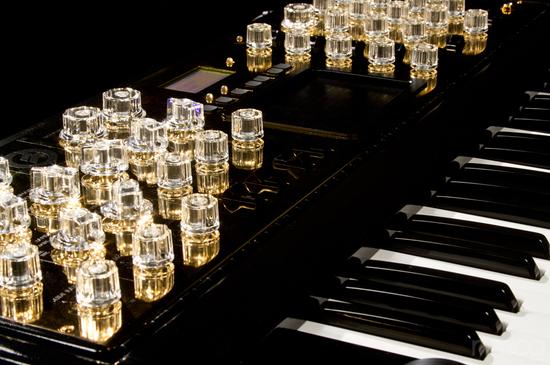 moog-music-gold-minimoog-5.jpg