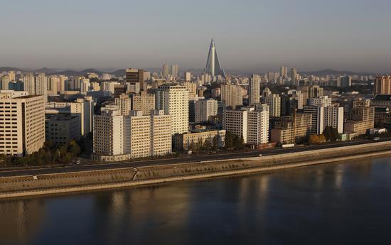 worlds-tallest-hotel-3.jpg