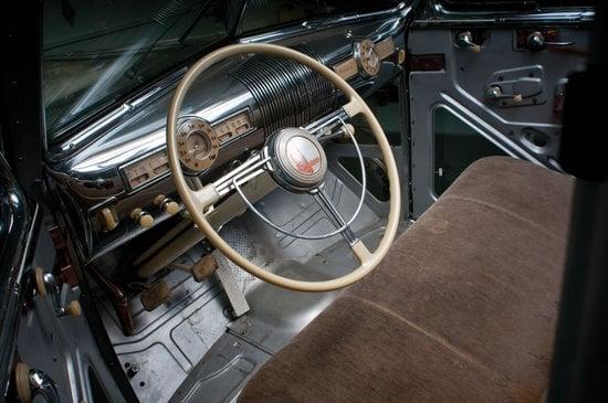 1939-Pontiac-Plexiglas-Deluxe-Six-Ghost-Car-5.jpg