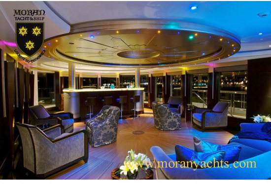 2-Unloading-100-Million-Yacht-SH.jpg