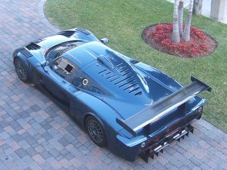 http://www.luxurylaunches.com/wp-content/uploads/2012/12/2006_Maserati_MC12_Corsa4-thumb-450x337.jpg