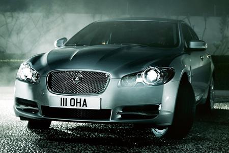 2009_Jaguar_XF_2.jpg