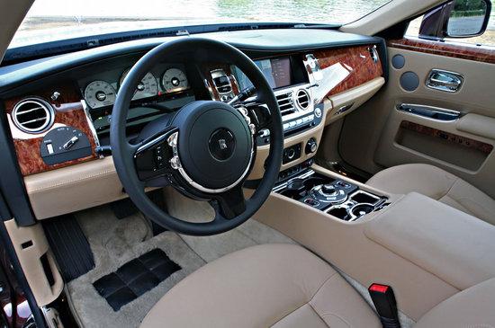 2010-Rolls-Royce-Ghost-5.jpg