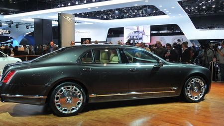 2010_bentley_mulsanne_2.jpg