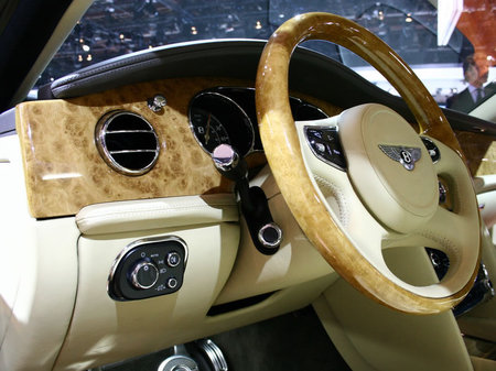 2010_bentley_mulsanne_3.jpg