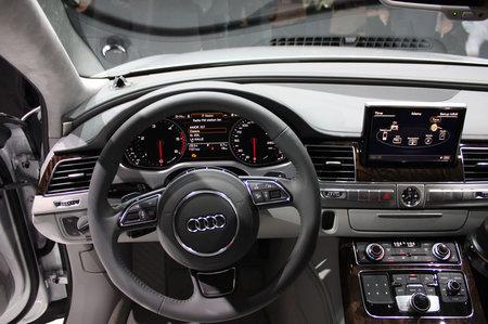2011-Audi-A8-5.jpg