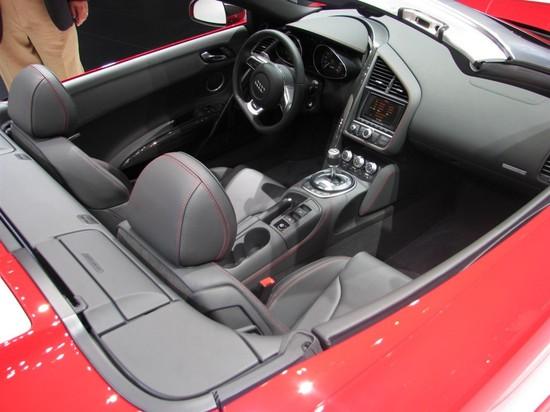 2011-Audi-R8-5.2-Spyder-quattro-V10-4.jpg