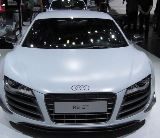 2011-Audi-R8-GT-supercar-2.jpg
