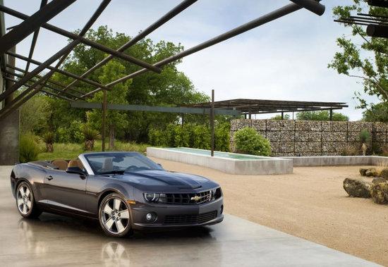 2011-Chevrolet-Camaro-Convertible-2.jpg