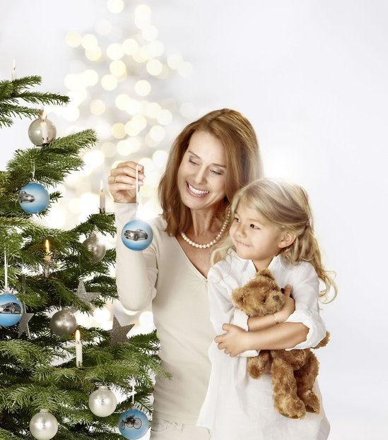 2011-Mercedes-Benz-Christmas-Collection-2.jpg