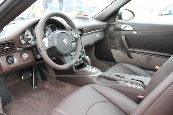 2011-Porsche-911-Limited-Edition-Gelderland3.jpg