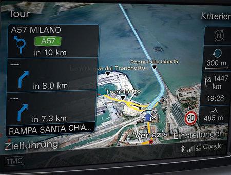2011_Audi_A8_navigation_system2.jpg