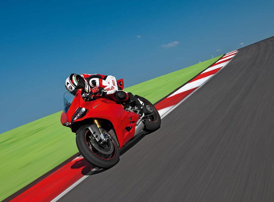 2012-Ducati-1199-Panigale-Superbike-7.jpg