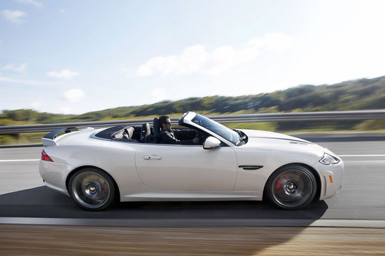 2012-Jaguar-XKR-S-Convertible-3.jpg